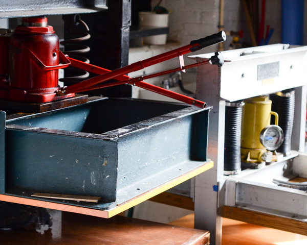 hydraulic press for hand papermaking